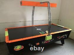 Dynamo air hockey table