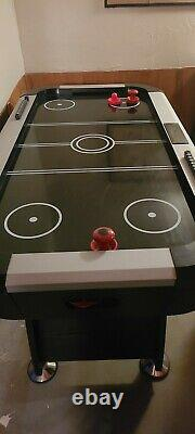 Puck Air Hockey Table