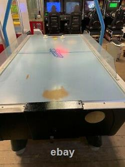 Valley Dynamo Arcade AIR HOCKEY Table with Overhead Light & Scoring in NY