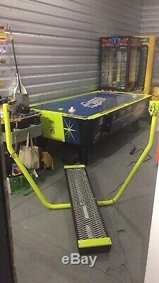 Valley-Dynamo Hot Flash 8 Foot Air Hockey Table Arcade Game! Shipping Available